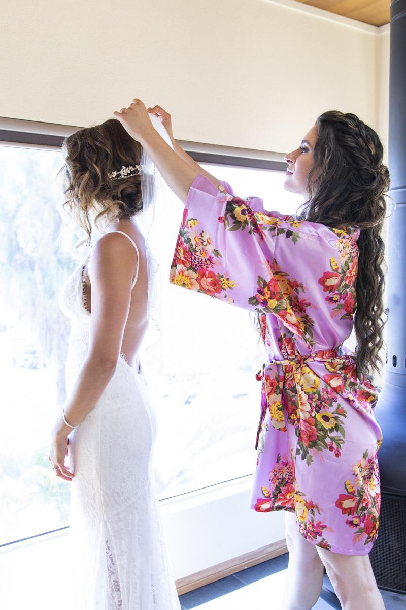 getting-ready-la-jolla-wedding-11