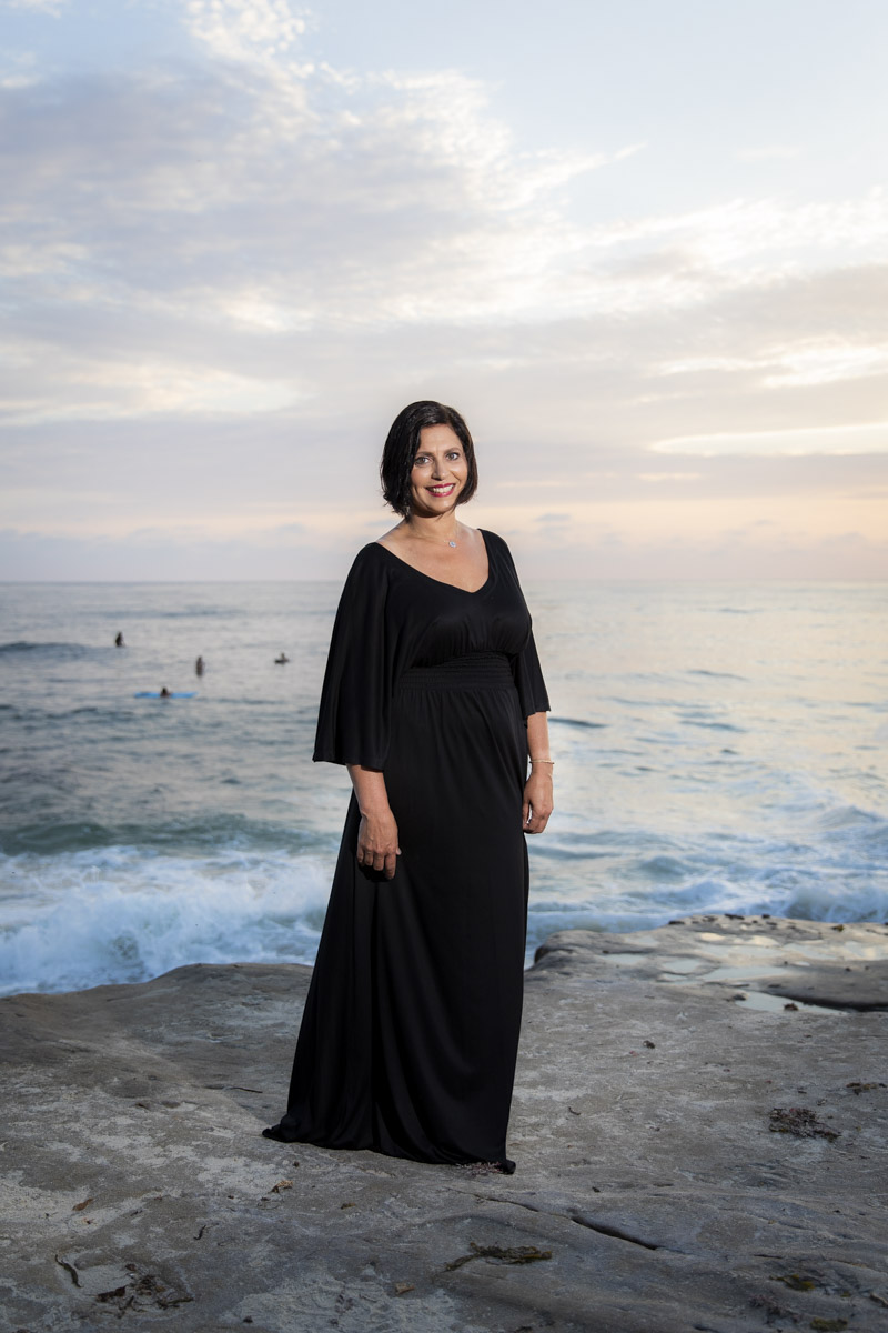 windansea-la-jolla-beach-portraits-4