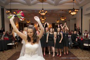 bouquet toss wedgewood fallbrook weddings